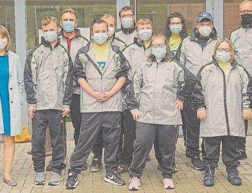 Integrative Laufgruppe mit neuer Kleidung